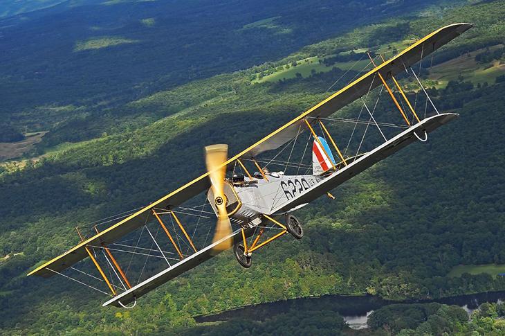 curtiss-jenny-biplane-old-rhinebeck-aerodrome-airshow