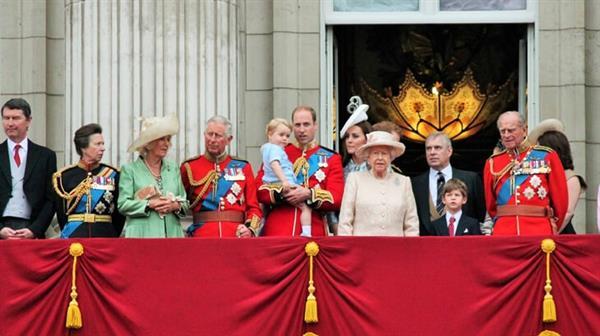 england-royal-family-portrait-1