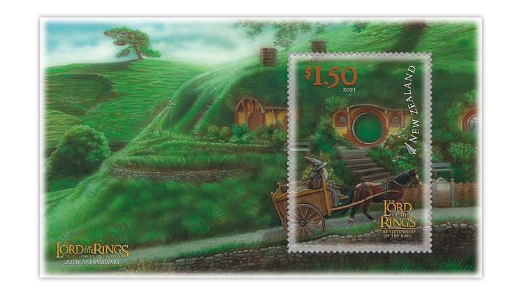 new-zealand-2021-lord-rings-gandalf-hobbiton-souvenir-sheet