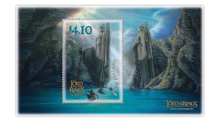 new-zealand-2021-lord-rings-statues-gates-argonath-river-anduin-souvenir-sheet