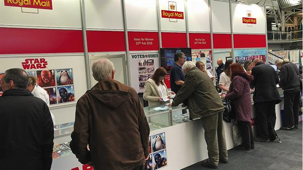 royal-mail-stand