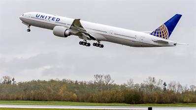 united-airlines-plane
