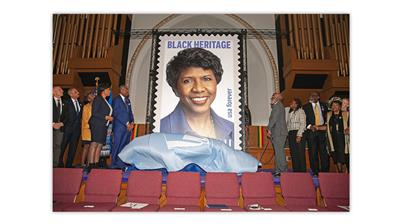 united-states-2020-gwen-ifill-stamp-first-day-ceremony